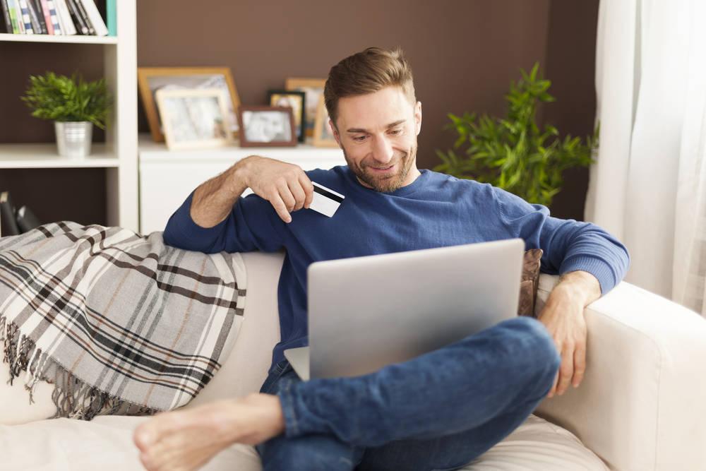 Cómo compran los hombres en Internet