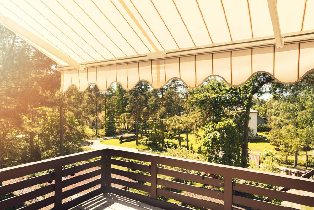 Protégete del sol con los mejores toldos para tu vivienda