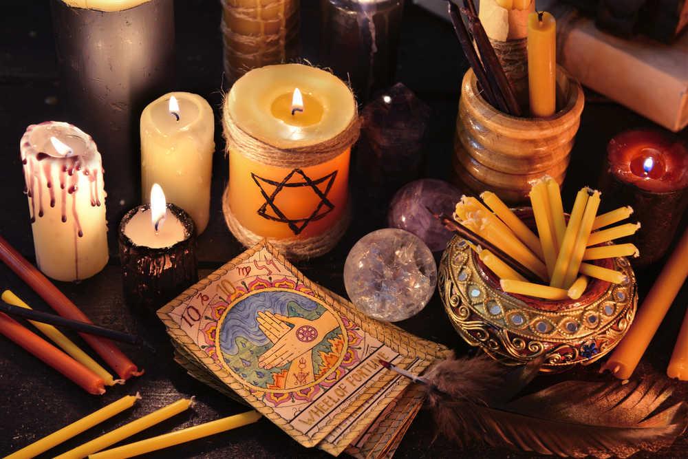 Las compras relacionadas con el esoterismo son tendencia en nuestro país